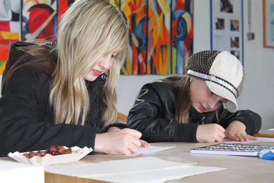 Kunst in der Werkstatt: Nachwuchstalente malen